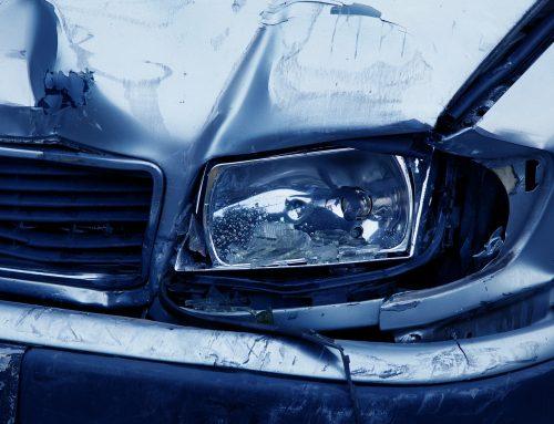 Verkehrsunfall: Muss ich den Gutachter der Versicherung akzeptieren?